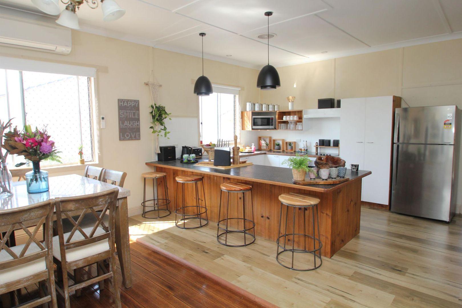 15 Molesworth Street, Tenterfield NSW 2372, Image 2