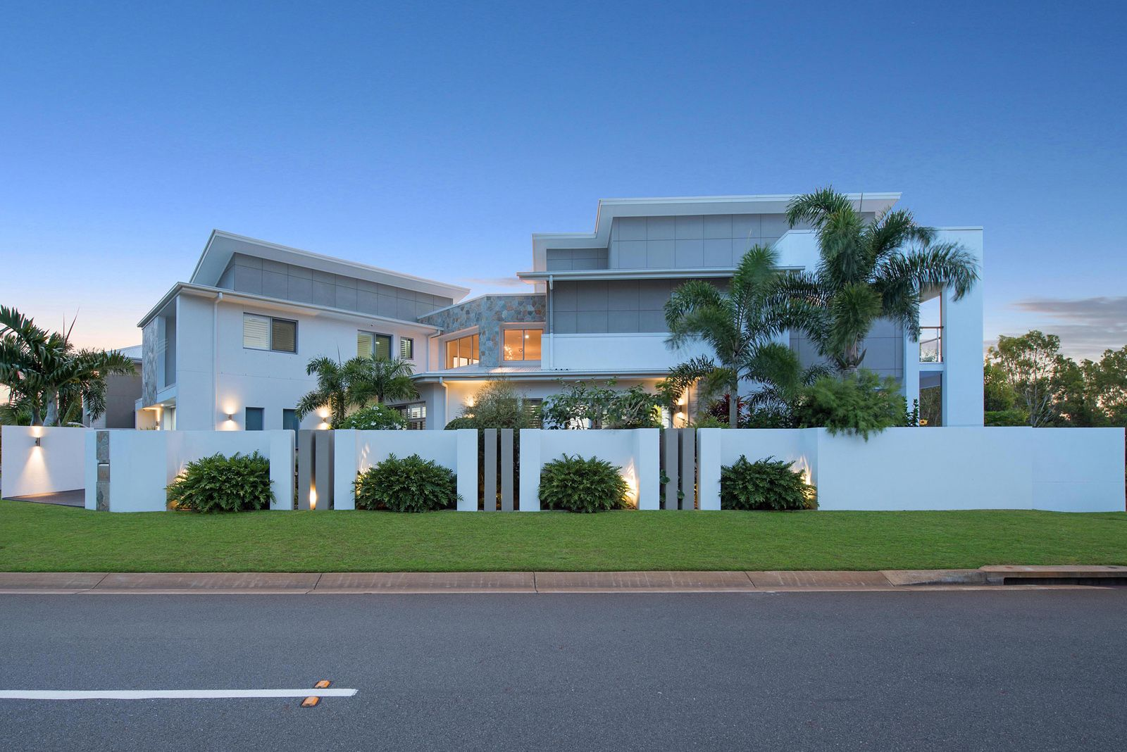 16 Kennedy Court, North Lakes QLD 4509, Image 2