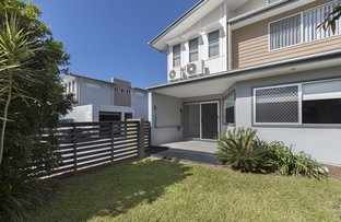 Picture of 2/99 Adelaide Street, Carina QLD 4152