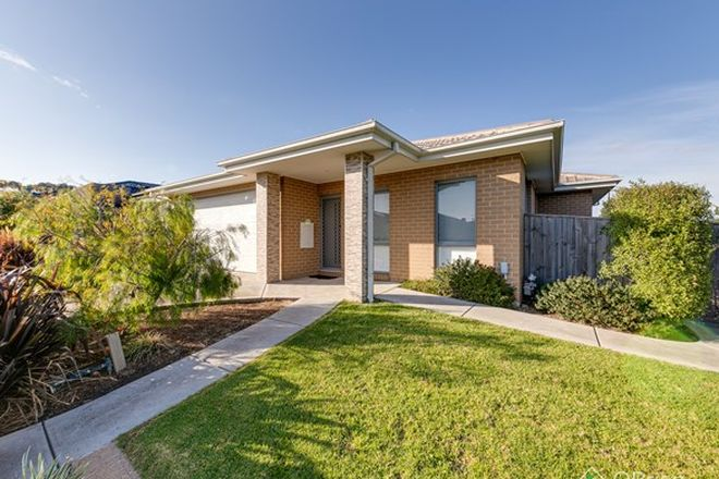 Picture of 16 Cascade  Way, PAKENHAM VIC 3810