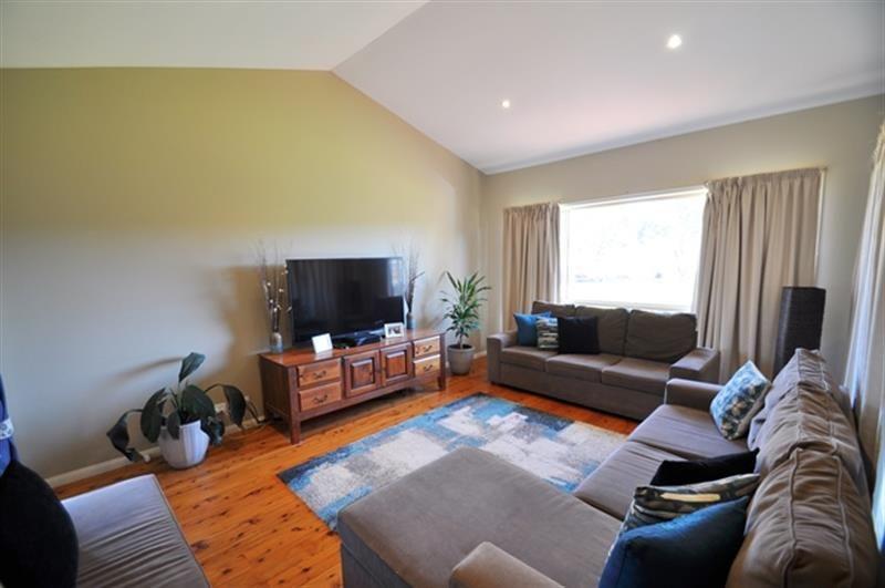 25 Torryburn Way, Dubbo NSW 2830, Image 2