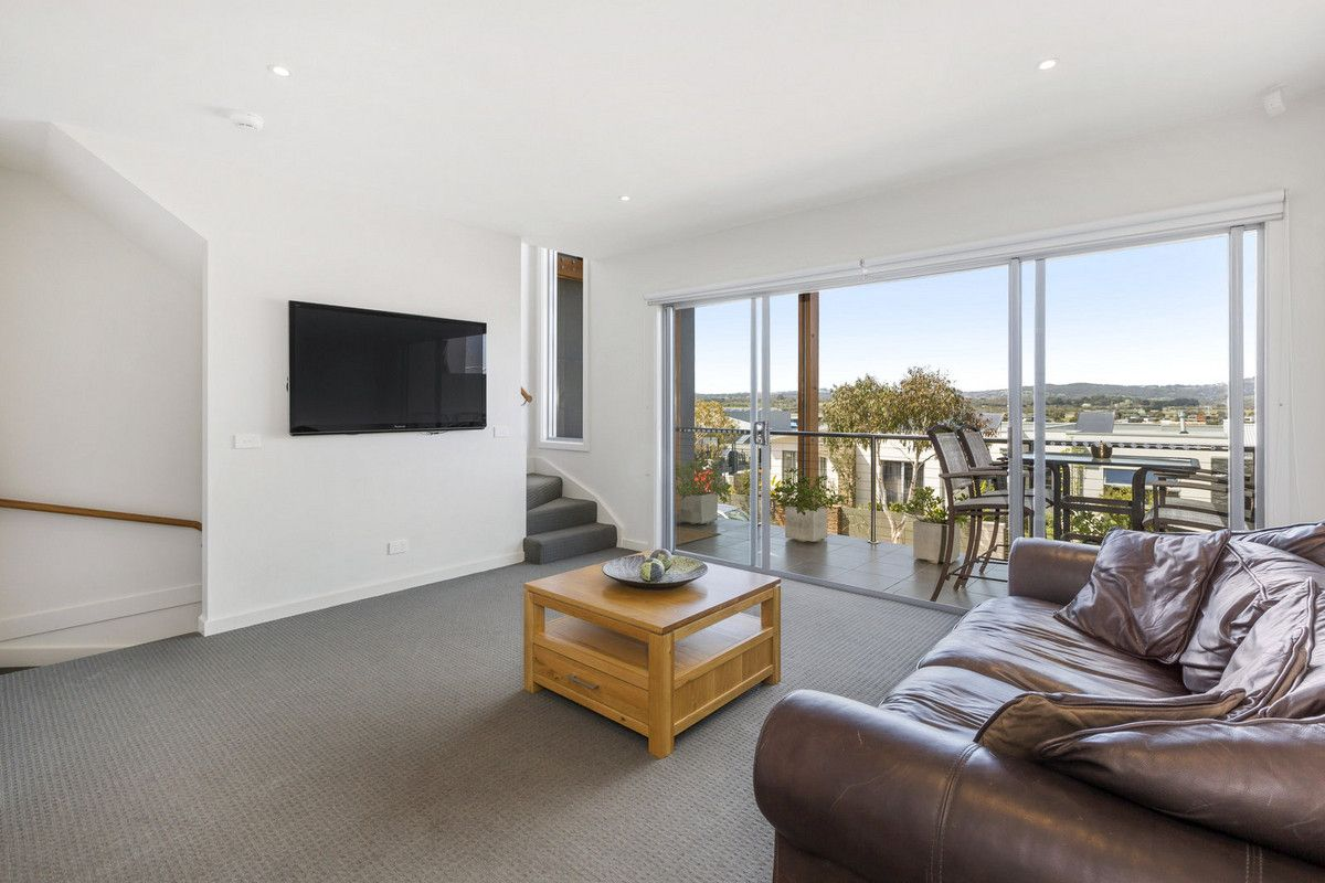 74a Helm Avenue, Safety Beach VIC 3936, Image 2