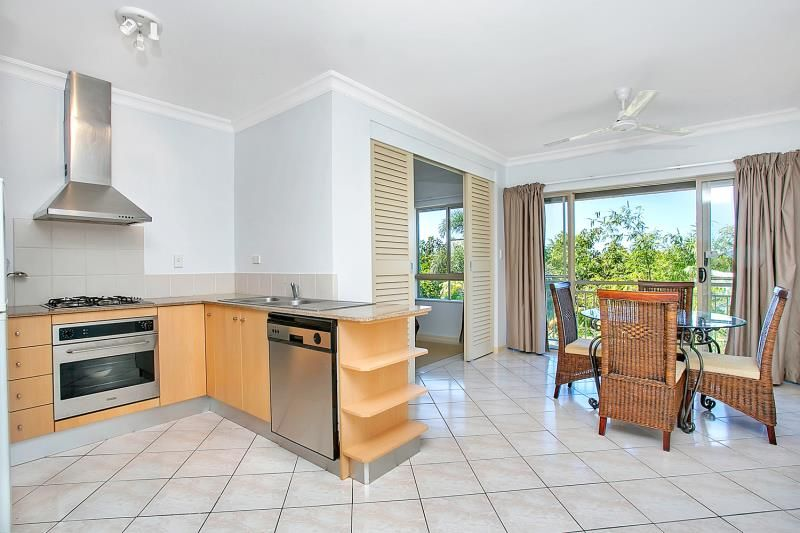 1223/2 Greenslopes Street, Cairns North QLD 4870, Image 2