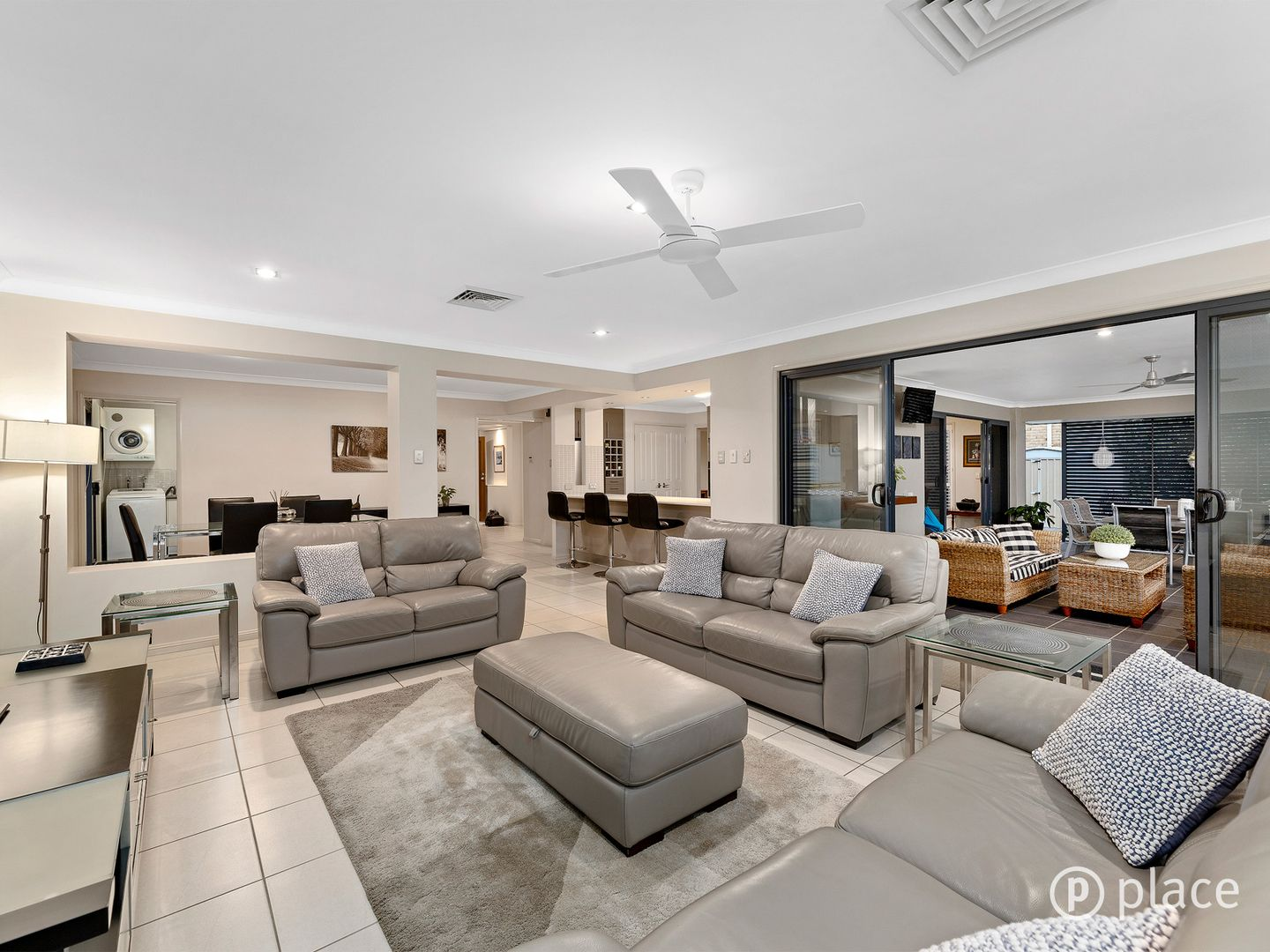 114 Hannah Circuit, Manly West QLD 4179, Image 2