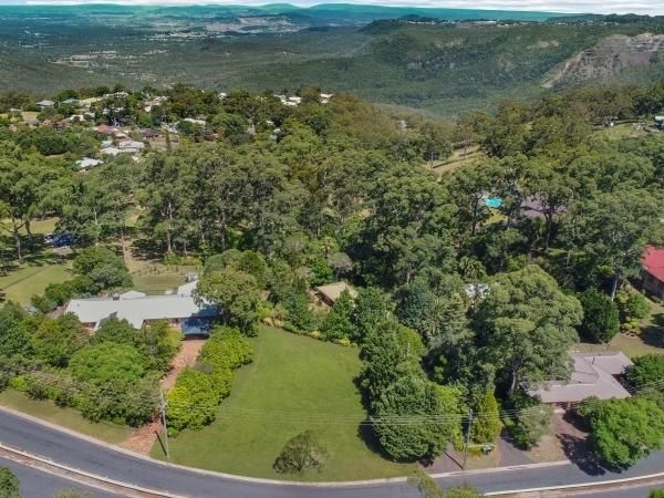 17 Hilltop Crescent, Blue Mountain Heights QLD 4350, Image 2