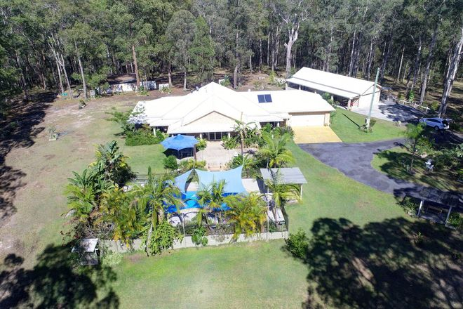Picture of 56 Tallwood Drive, HALLIDAYS POINT NSW 2430