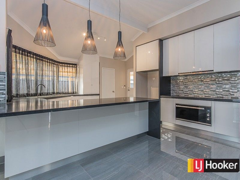 71 Southacre Drive, Canning Vale WA 6155, Image 2