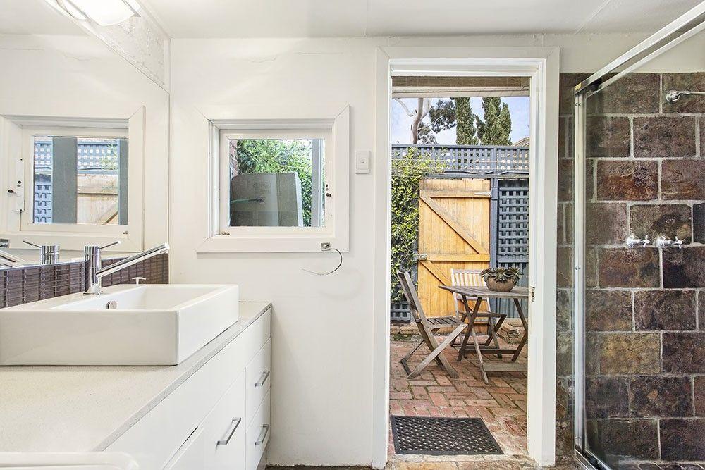 18 Garfield Street, Fitzroy VIC 3065, Image 2