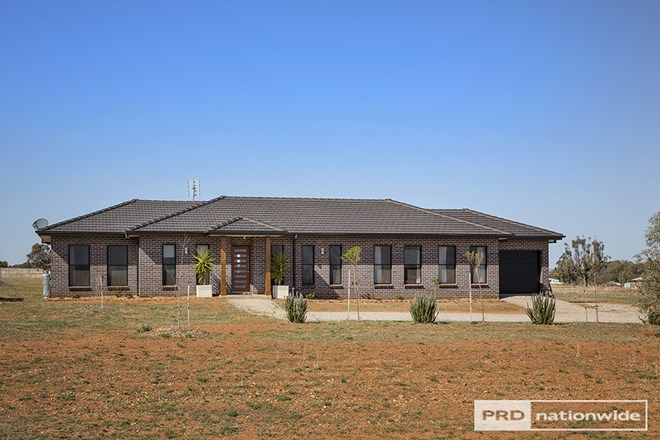 Picture of 20 Horseshoe Place, TAMWORTH NSW 2340
