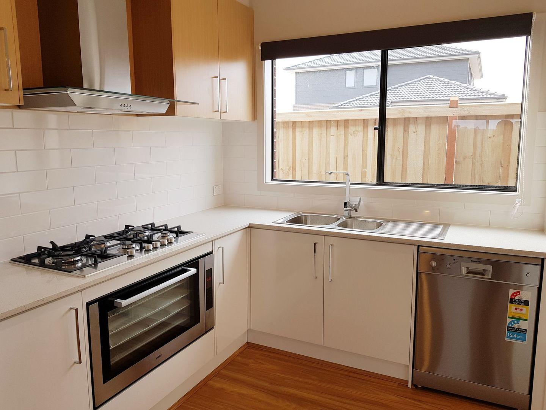 32 Adrian Street, Cranbourne East VIC 3977, Image 1