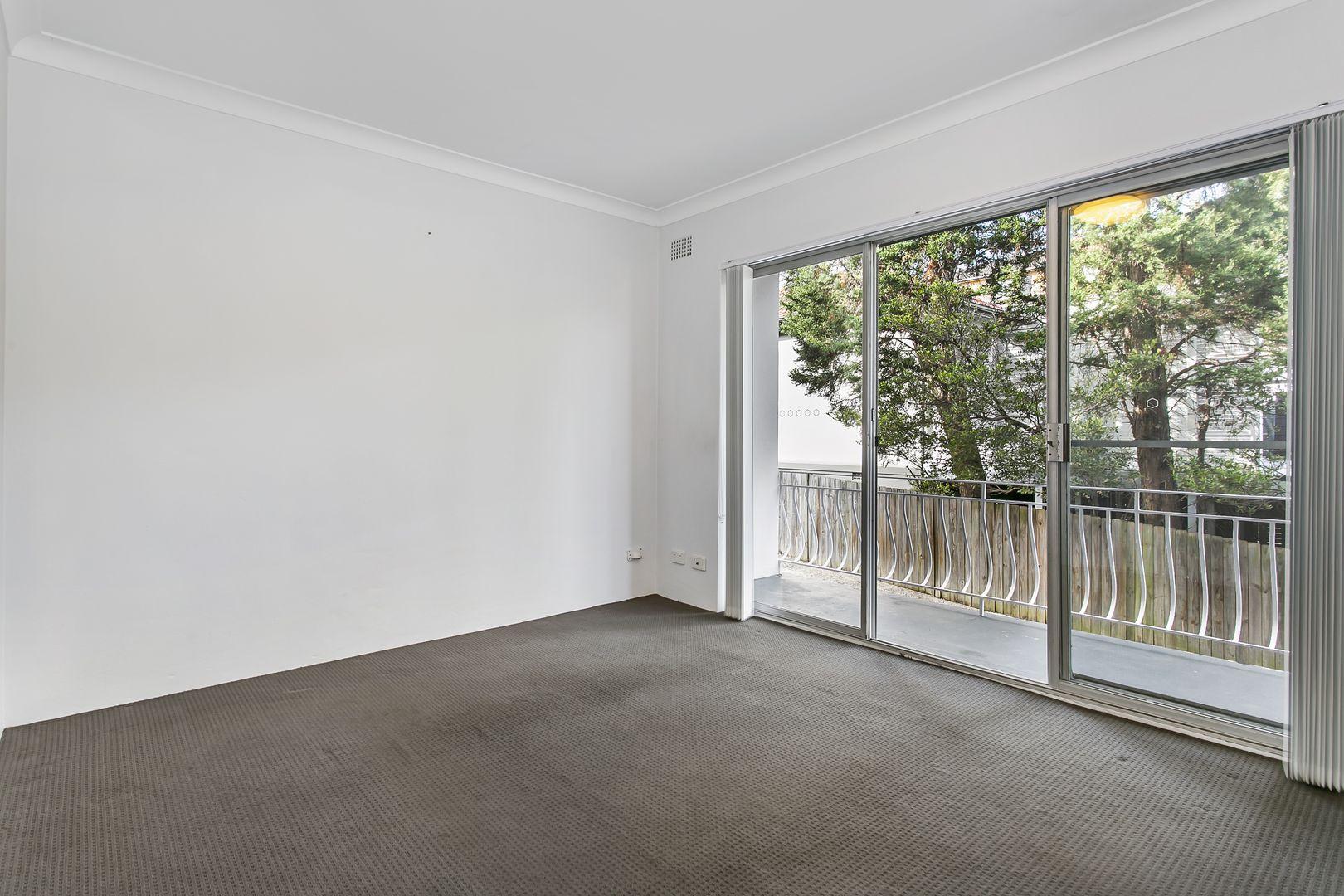 3/16 Wyadra  Avenue, Freshwater NSW 2096, Image 1