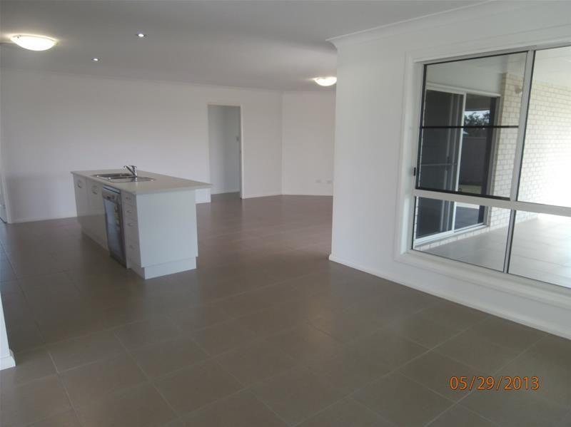 33 Bishop Drive, Miles QLD 4415, Image 1