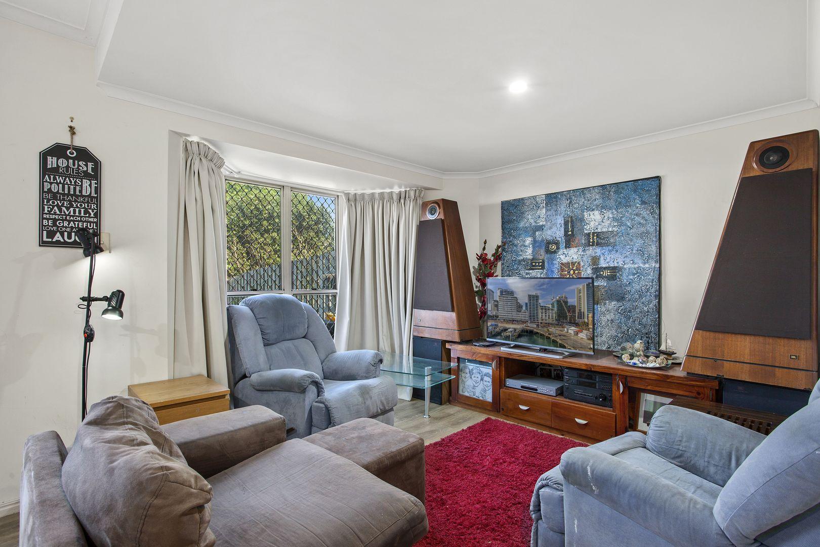 Unit 2/247 Herries Street, Newtown QLD 4350, Image 1