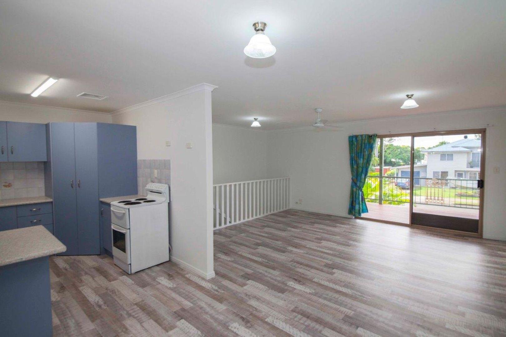 123 Cambridge Street, Granville QLD 4650, Image 2