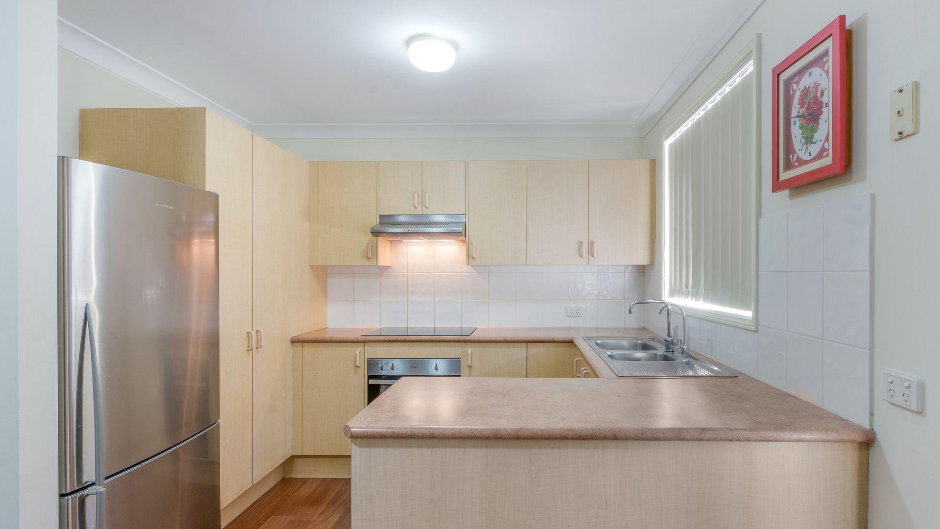 1/15 Cadogan Road, Macquarie Fields NSW 2564, Image 1