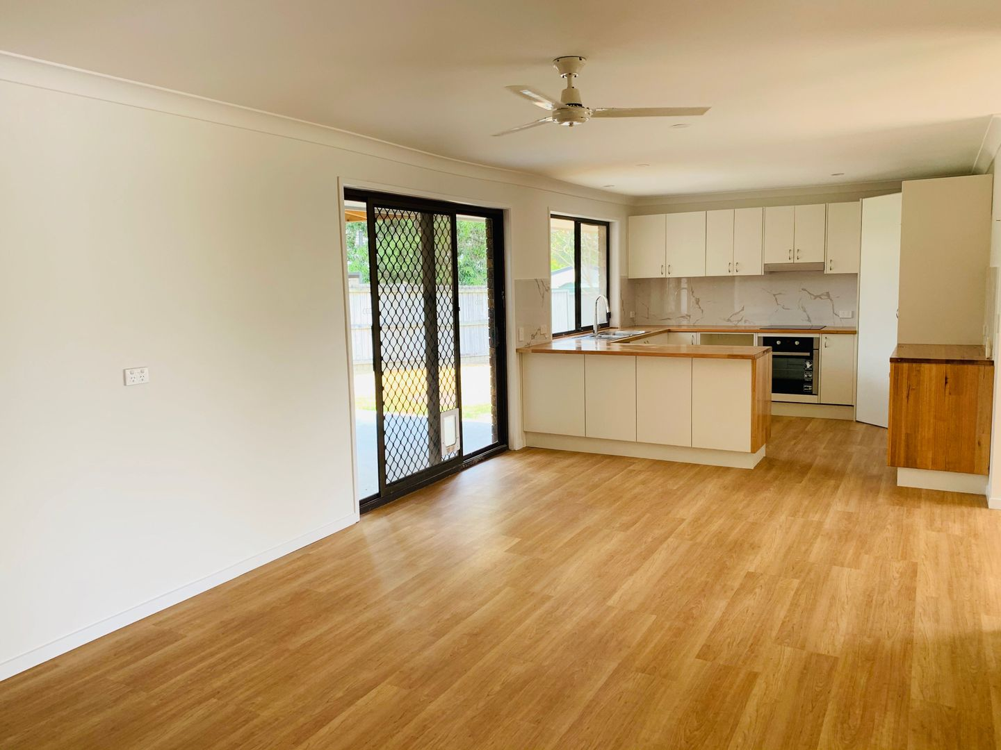 8 Chaucer Court, Ashmore QLD 4214, Image 0