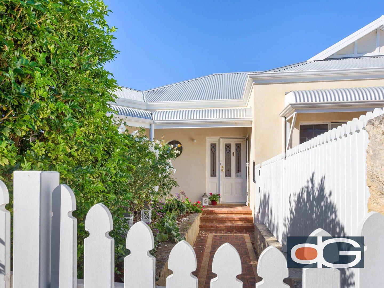 2 Stratford Street, East Fremantle WA 6158, Image 0
