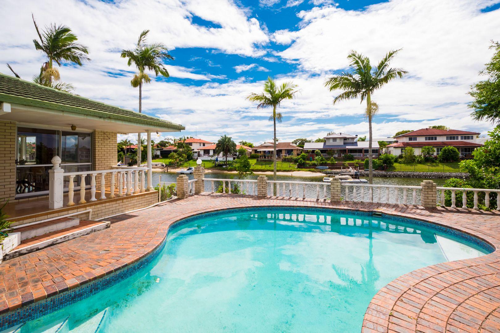 32 Pilot Court, Mermaid Waters QLD 4218, Image 2