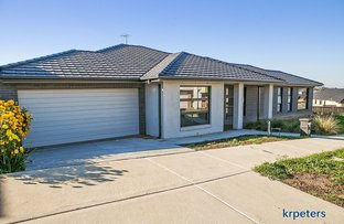 Picture of 11 Aramon Way, Berwick VIC 3806