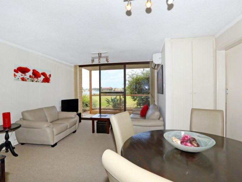 4/68 Military Road, Tennyson SA 5022, Image 1