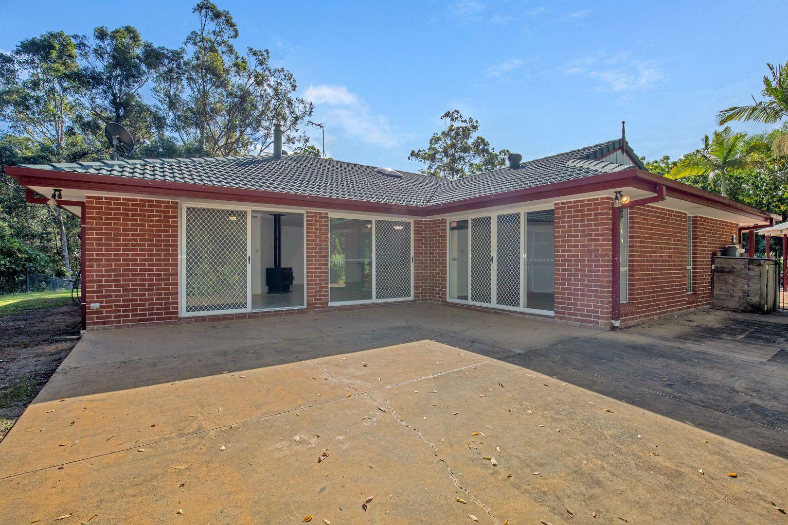 32 Sehmish Court, Bonogin QLD 4213, Image 2