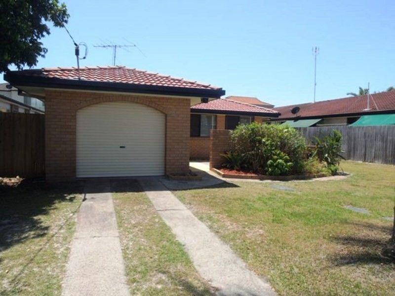33 Bruce Avenue, Paradise Point QLD 4216, Image 0