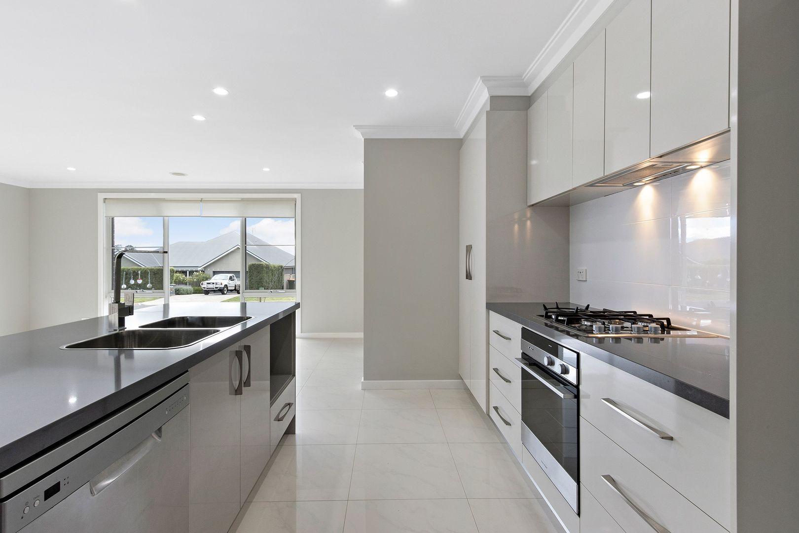 6 Emmaville Street, Orange NSW 2800, Image 2