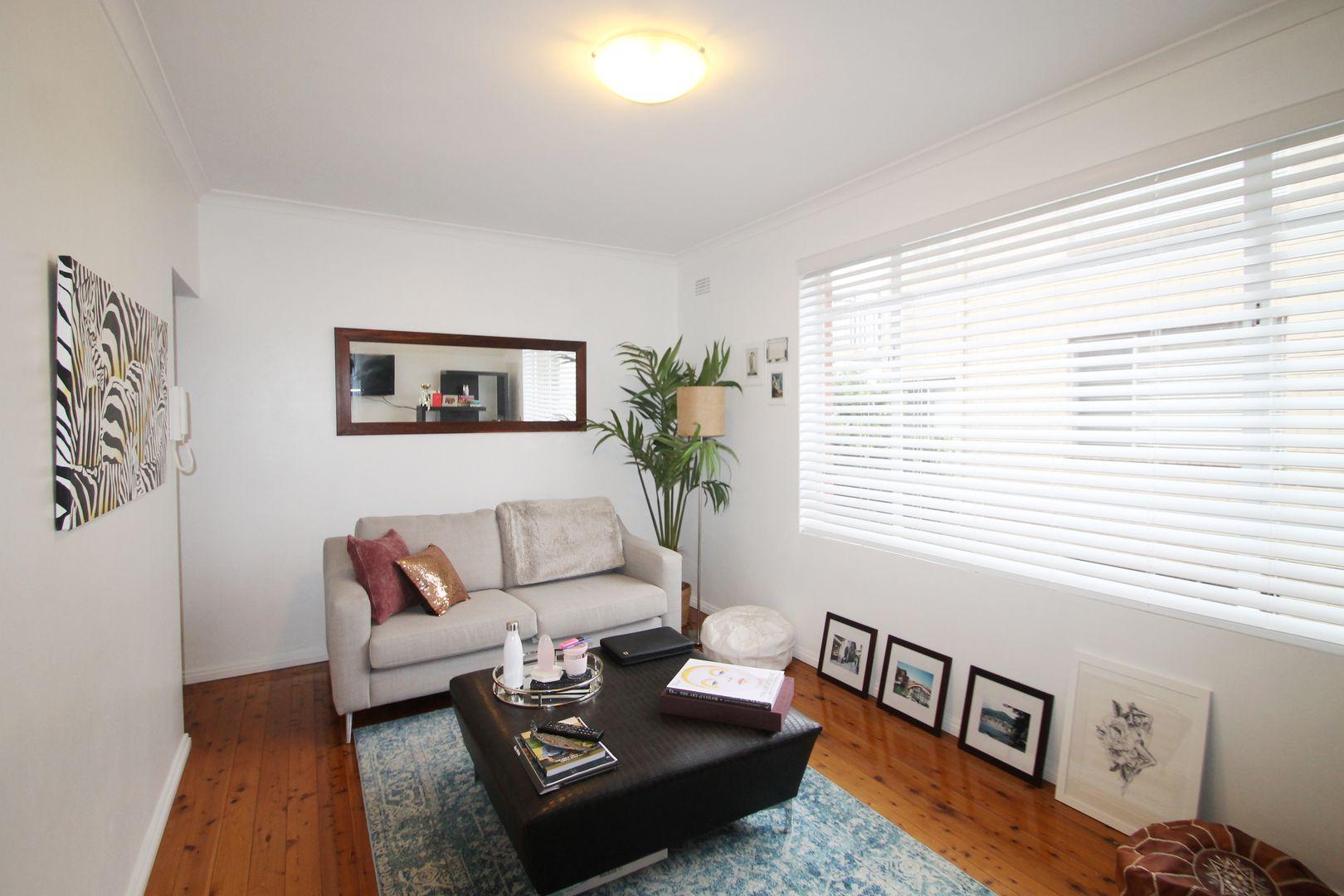 1/2 Harvard Street, Gladesville NSW 2111, Image 2