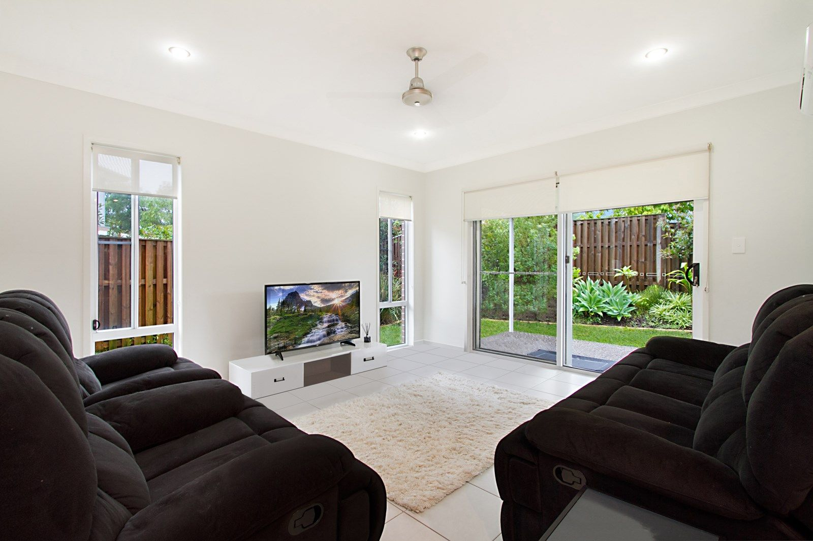 1/36 Rise Circuit, Pacific Pines QLD 4211, Image 1
