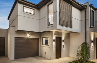 Picture of 2/11 Stonehaven Crescent, Hampton East VIC 3188