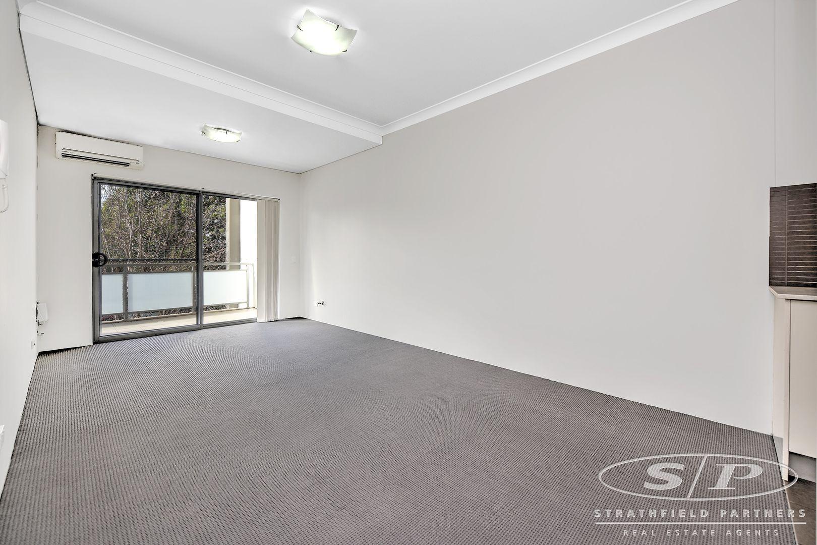 22/37-43 Eastbourne  Road, Homebush West NSW 2140, Image 2