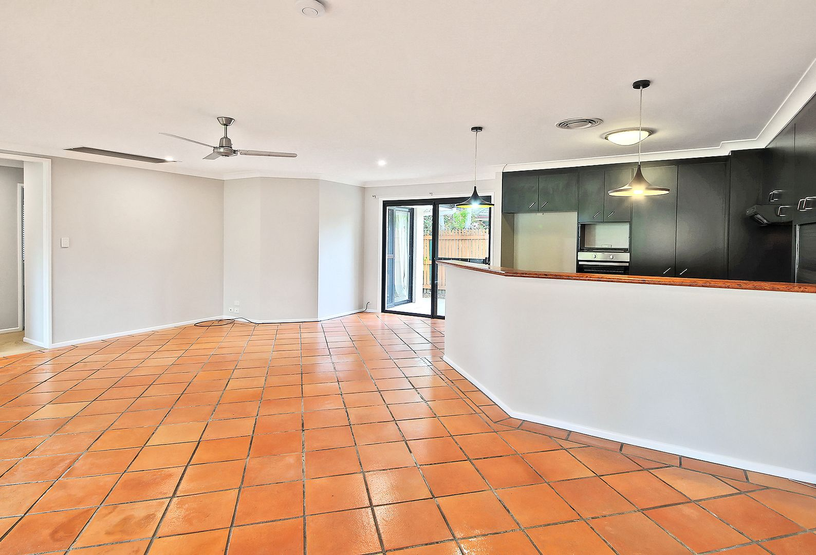 10 Lydstep Court, Carindale QLD 4152, Image 1