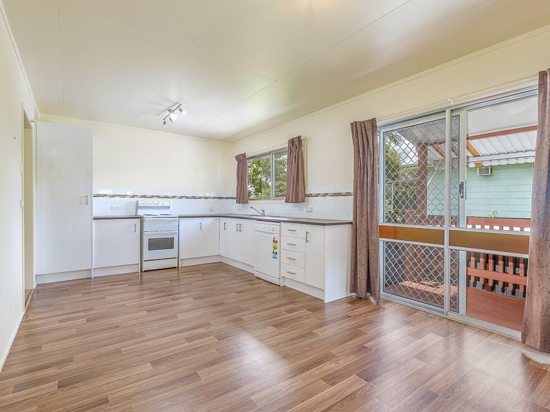 16 Barton Road, Victory Heights QLD 4570, Image 1