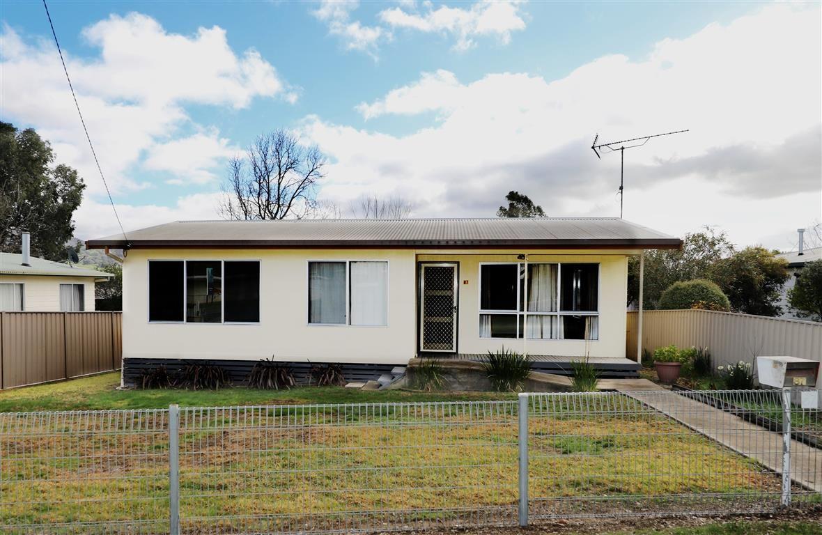 87 Clarke Street, Tumut NSW 2720, Image 0