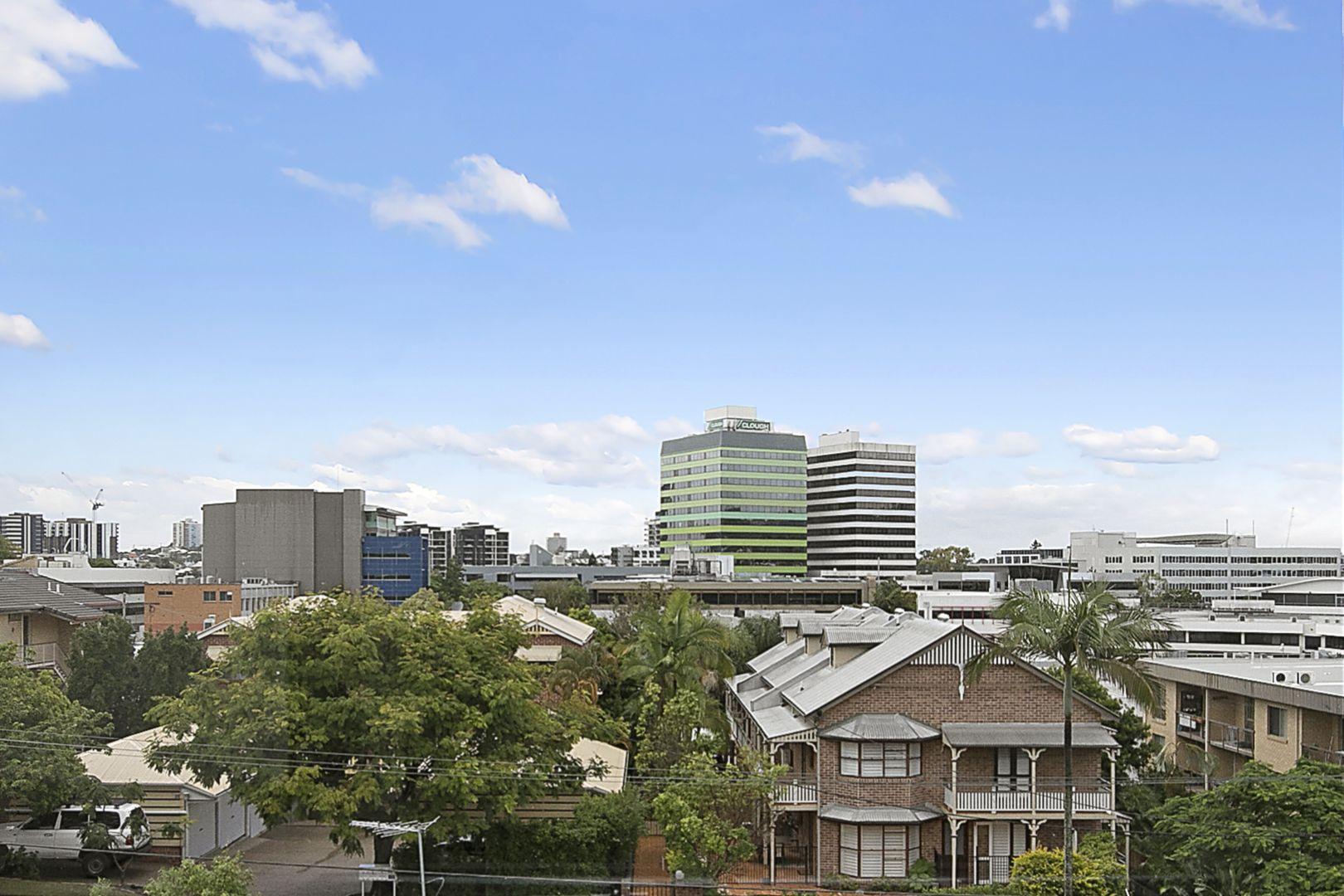 2 Sheehan Street, Milton QLD 4064, Image 2