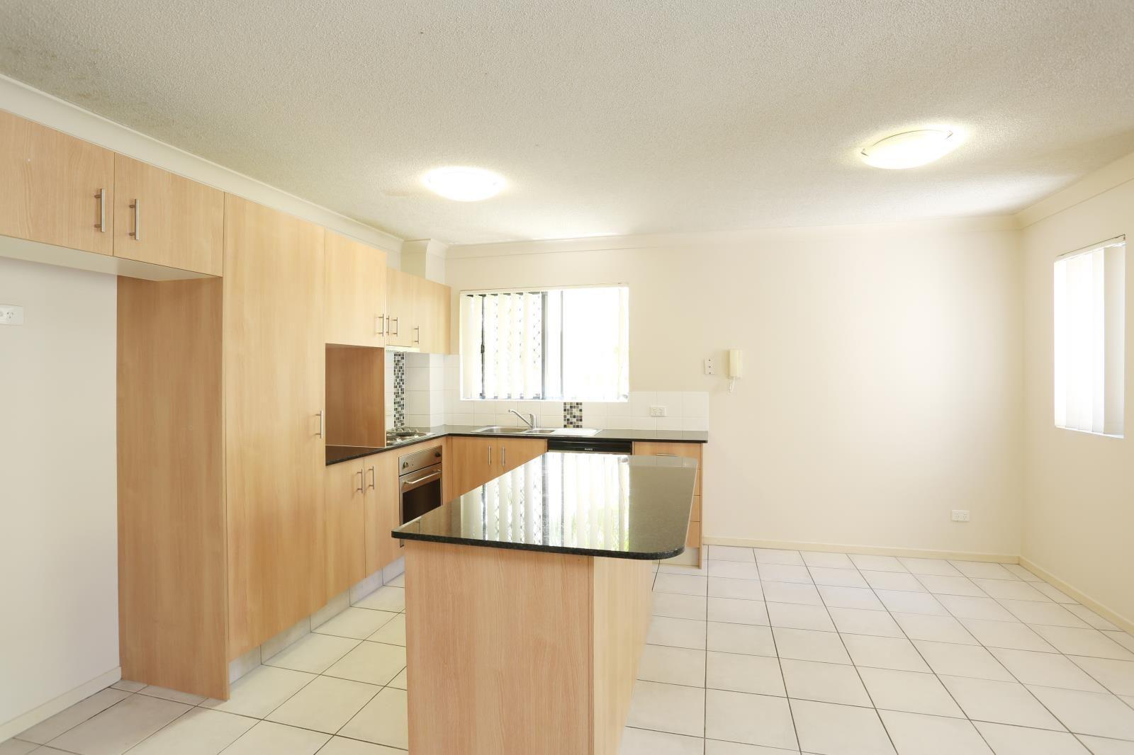 5/46-48 Lennerberg Street, Southport QLD 4215, Image 1