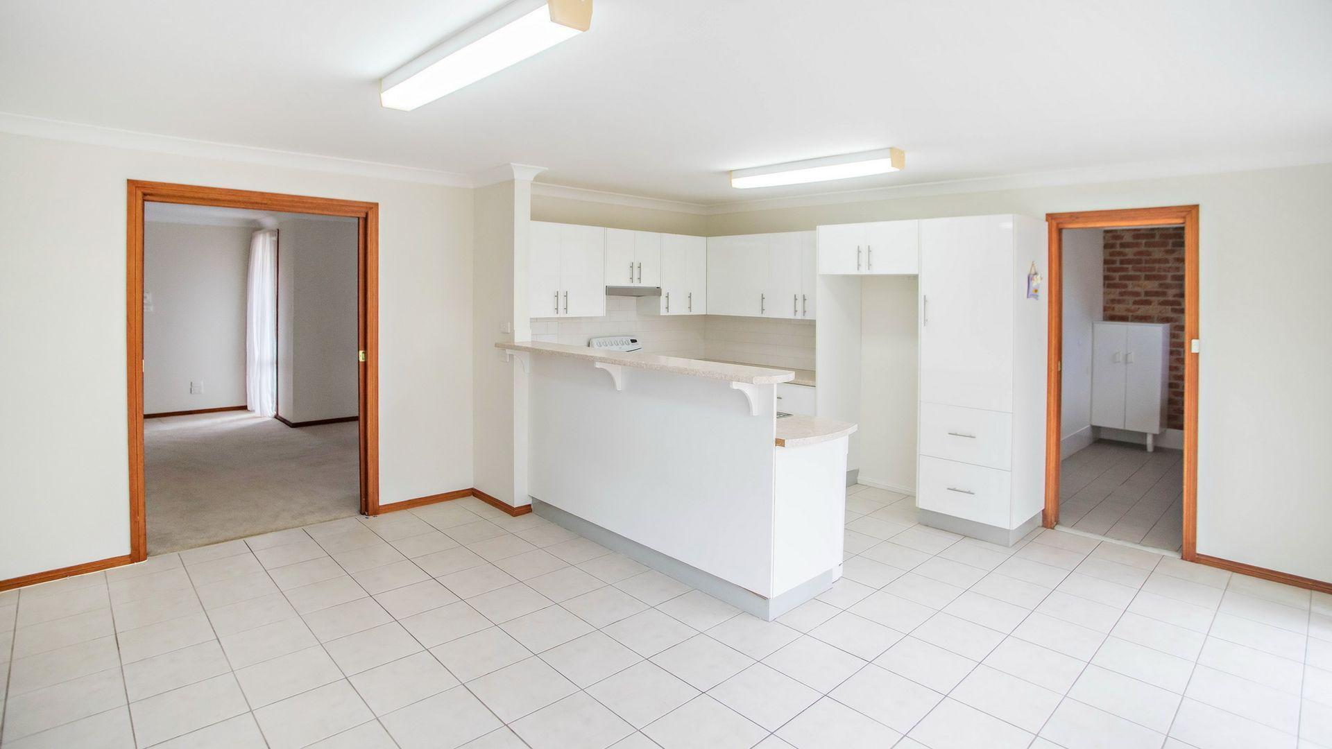 2/12 Samantha Close, Taree NSW 2430, Image 2