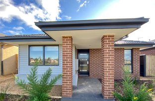 Picture of 34 Hessel Avenue, Doreen VIC 3754