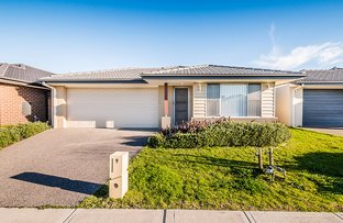 9 Campaspe Street, Clyde North VIC 3978