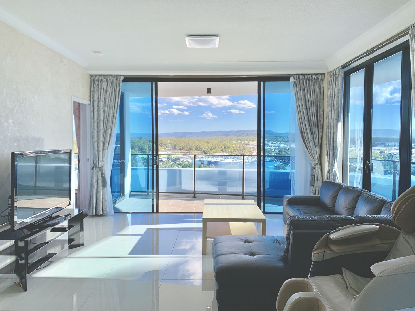 21010/5 Harbourside Court, Biggera Waters QLD 4216, Image 1