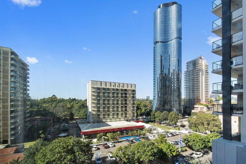 1704/222 Margaret Street, Brisbane City QLD 4000, Image 2