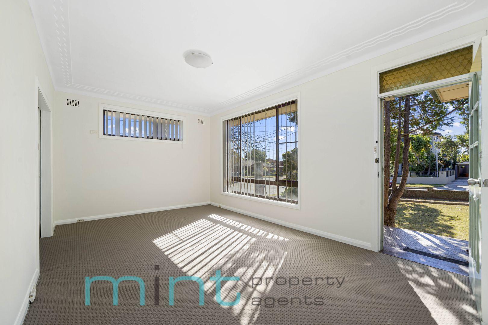 5 Michael Avenue, Belfield NSW 2191, Image 2