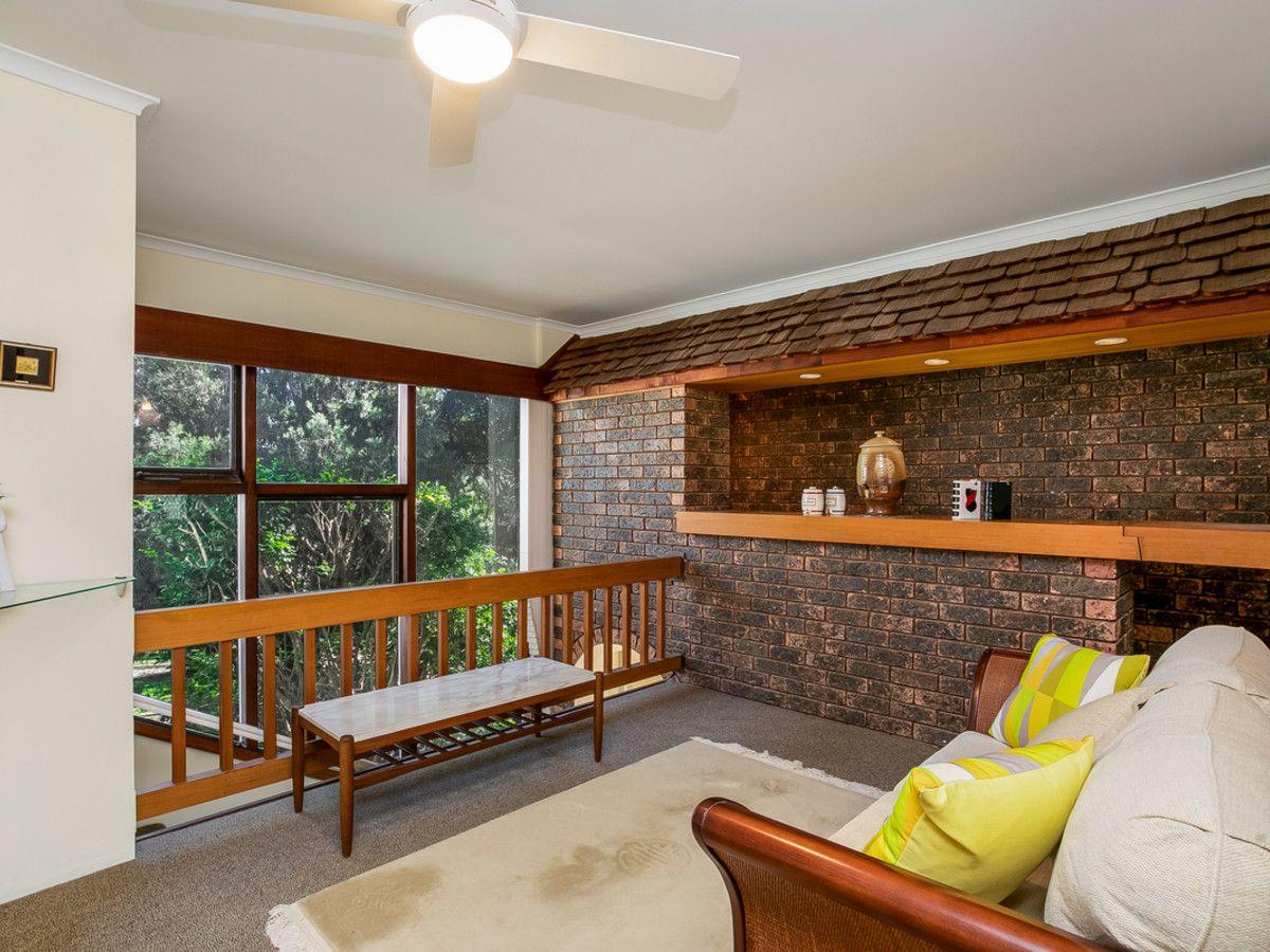 2 Carpenter Crescent, Warriewood NSW 2102, Image 2