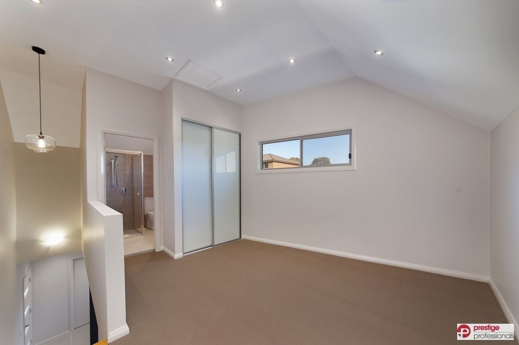 4/64 Junction Road, Moorebank NSW 2170, Image 2