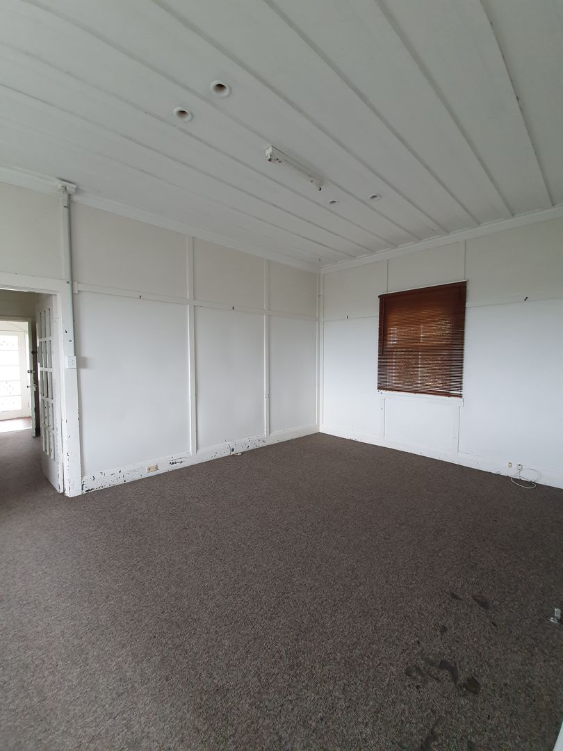 56 BRIDGE STREET, Coniston NSW 2500, Image 2