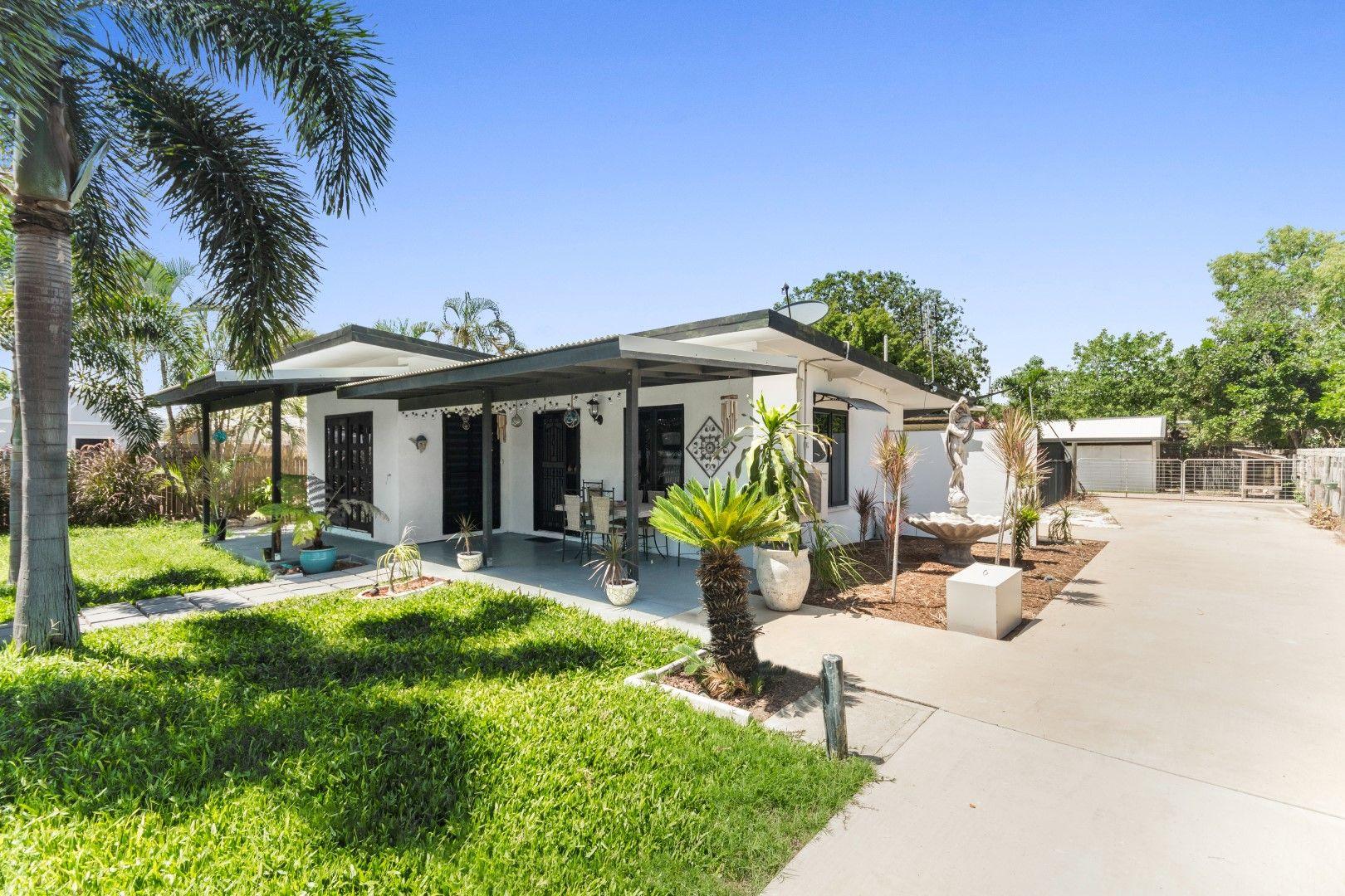 39 Reef Street, Saunders Beach QLD 4818, Image 0