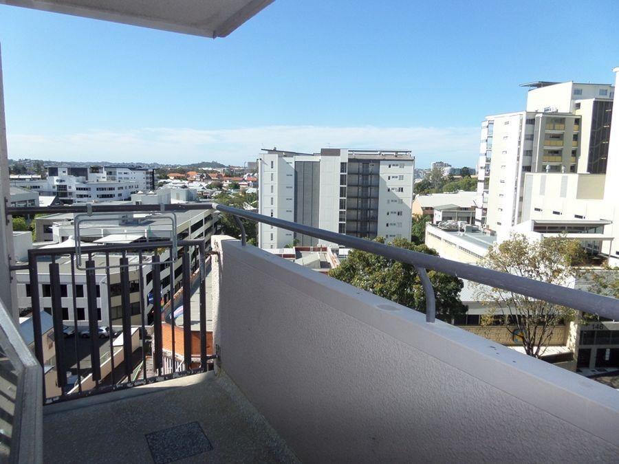 6b/119 Leichhardt St, Spring Hill QLD 4000, Image 2