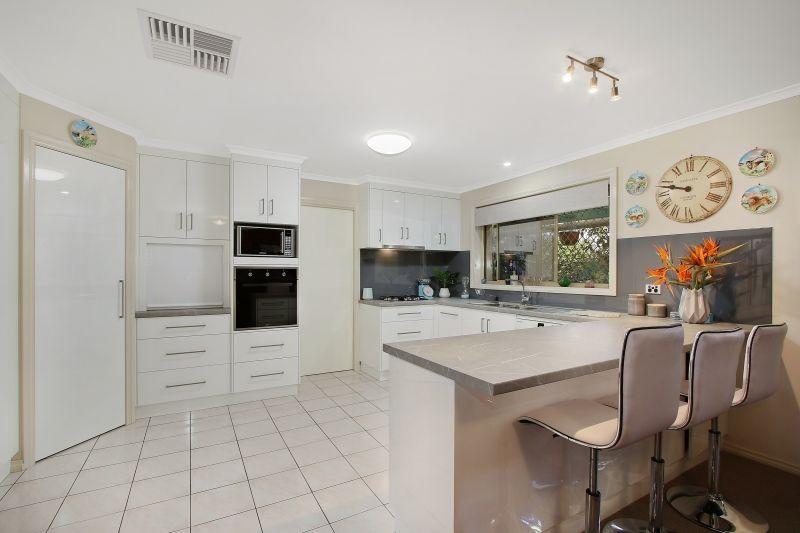 2/8 Rachel Court, Lavington NSW 2641, Image 1