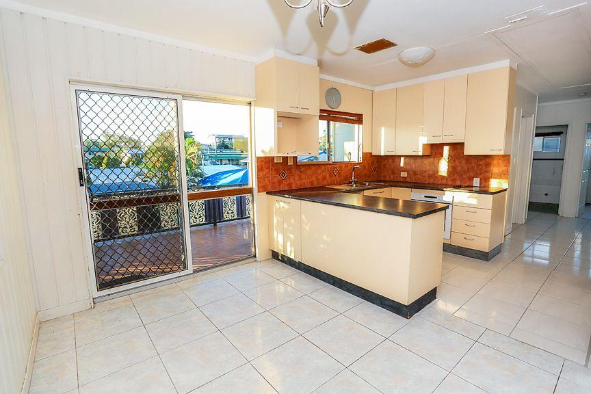 32 Hinkler Cres, Mount Isa QLD 4825, Image 0