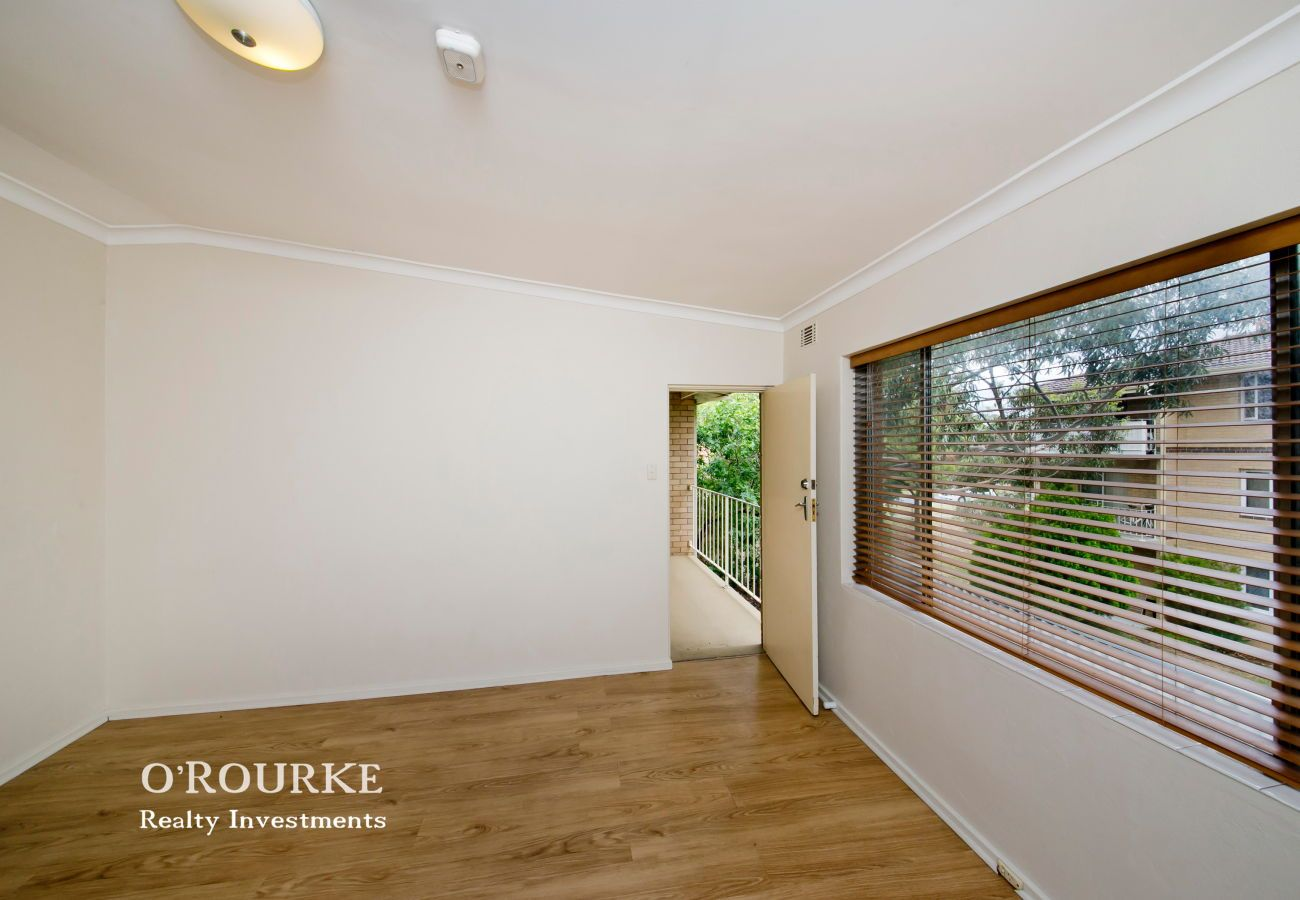 8/47 Deanmore Road, Scarborough WA 6019, Image 2